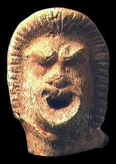 ... Orfeo con un cappello frigio. Maschera che raffigura la testa di un  attore. Il reperto si trova al Museo del ... 80d01067a898