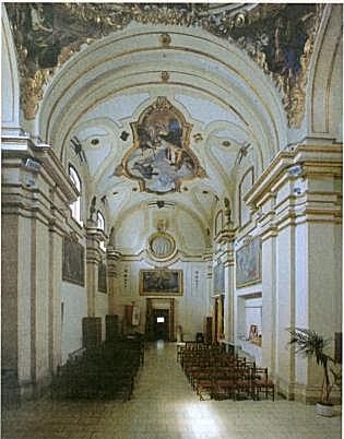 Monastero agostiniano di teramo for Interno a un convento