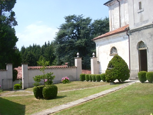 Monastero agostiniano genesio for Interno a un convento